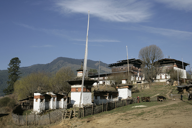 Zhabdrung Ngawang Namgyel Tibetan Buddhist Master Who Came To Bhutan In 1616 And Founded Nation State Of Bhutan Built This Dzong On A Small Stretch Of
